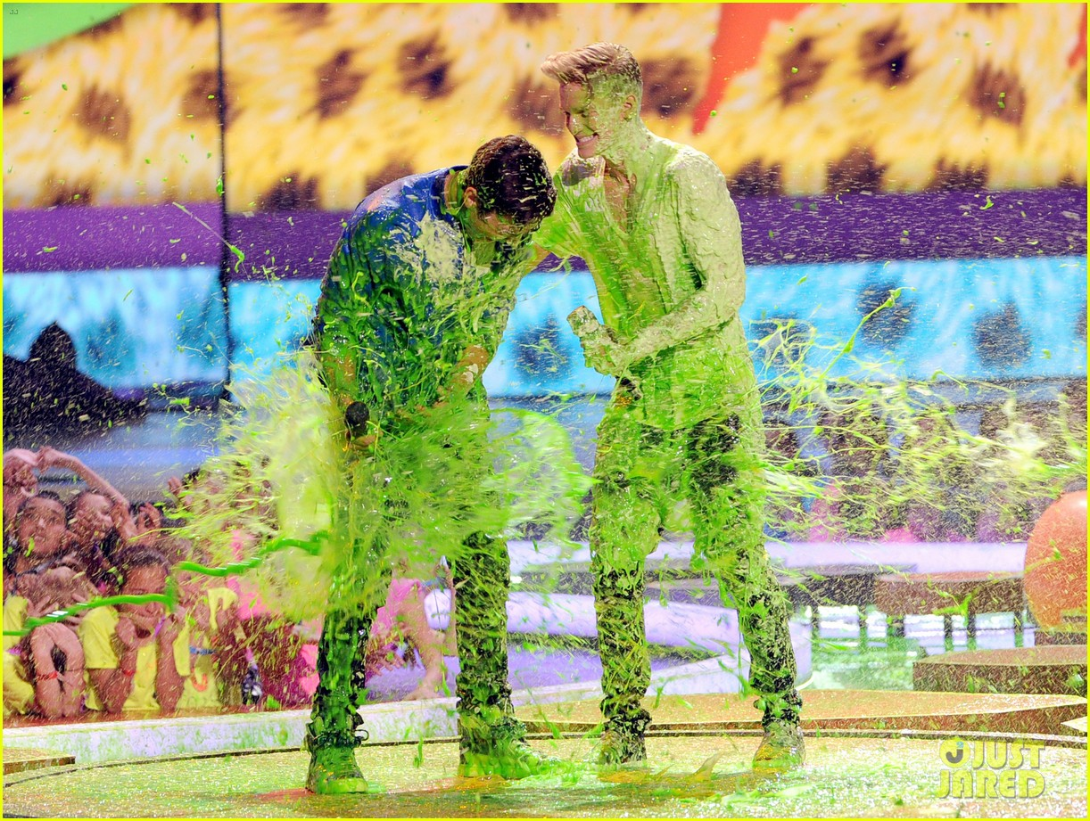 austin mahone cody simpson kids choice awards 2014 033081303