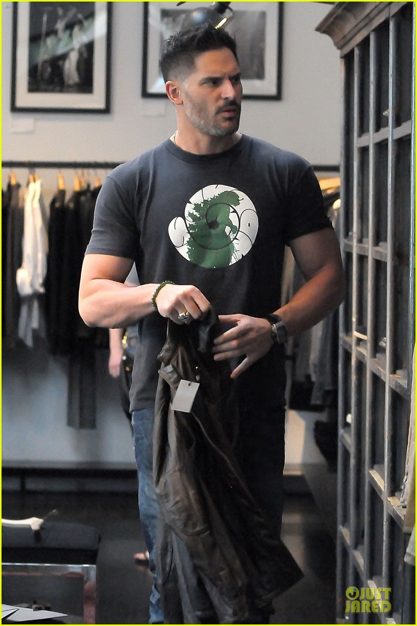 joe manganiello shows off bulging guns at john varvatos 10