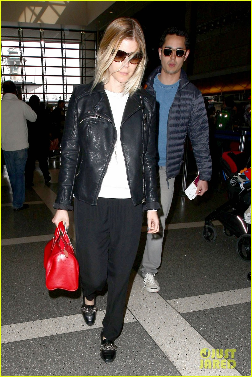 kate mara max minghella jet out of los angeles 01
