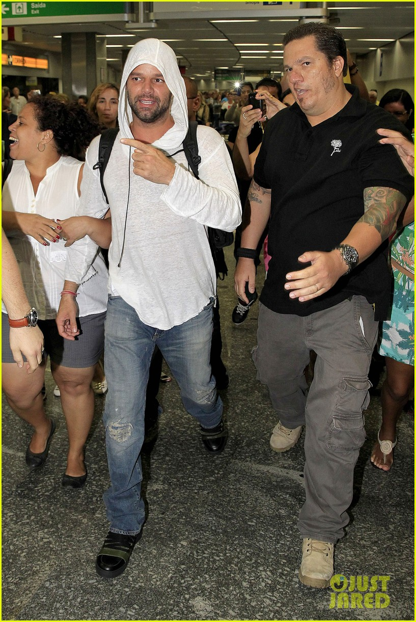 ricky martin to fans you deserve to be happy 013069319