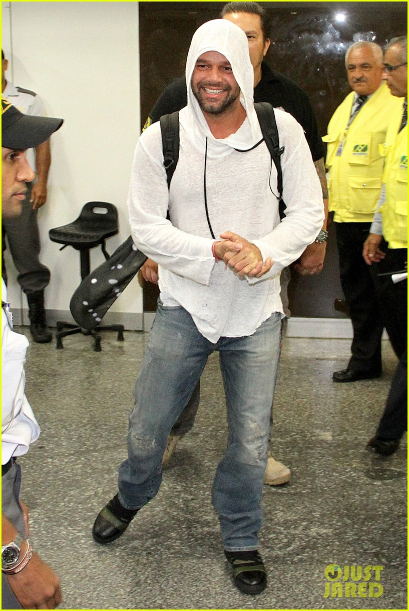 ricky martin to fans you deserve to be happy 053069323