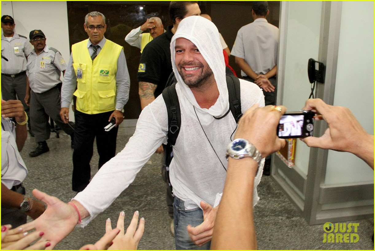 ricky martin to fans you deserve to be happy 093069327
