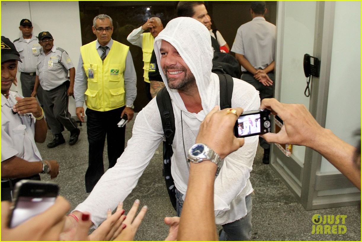 ricky martin to fans you deserve to be happy 133069331