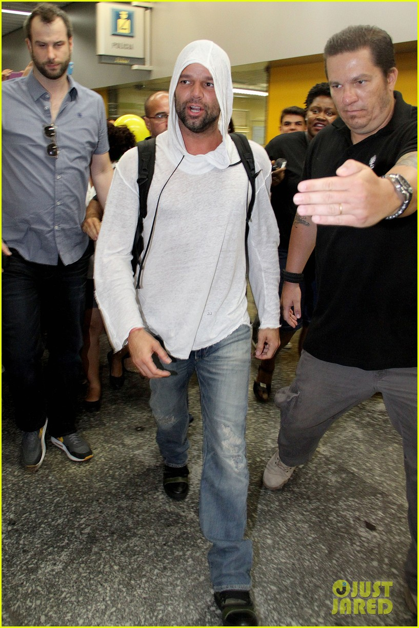 ricky martin to fans you deserve to be happy 143069332