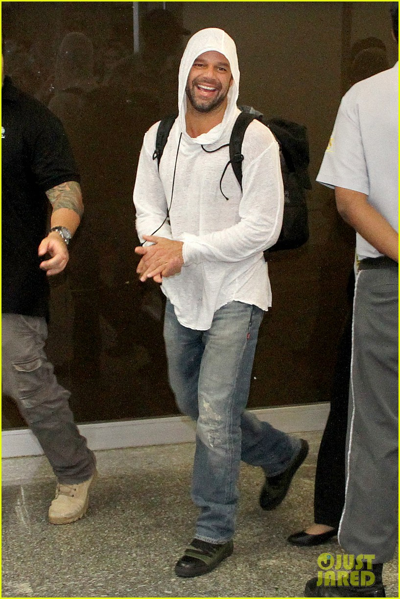 ricky martin to fans you deserve to be happy 153069333