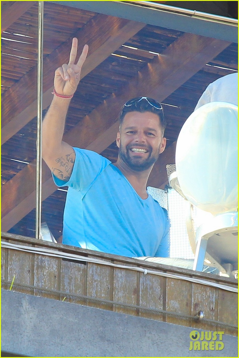 ricky martin films music video for world cup 053070315