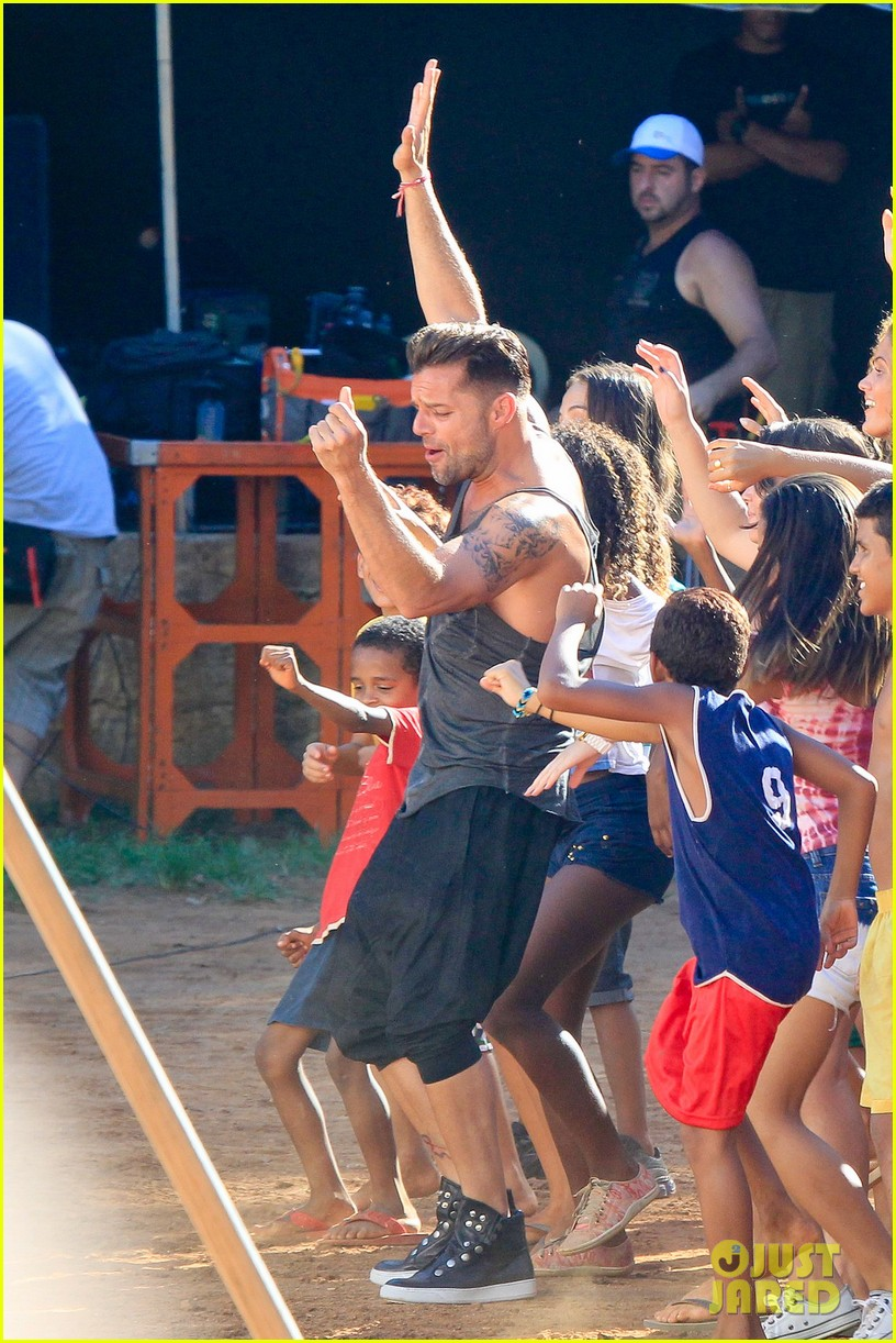 ricky martin films music video for world cup 193070329