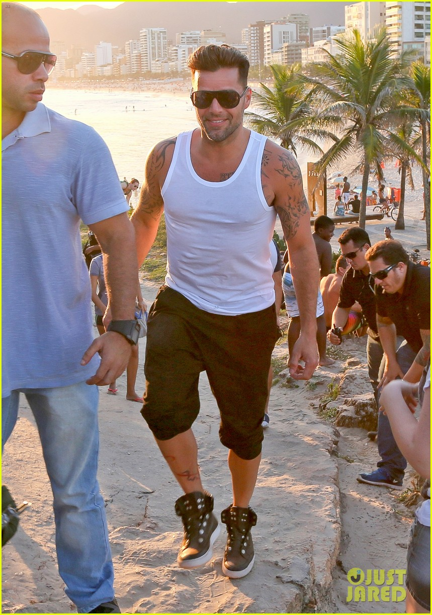 ricky martin films music video for world cup 243070334