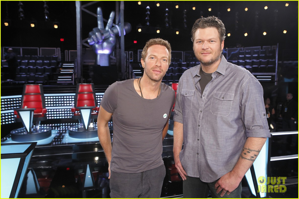 chris martin helps coaches on the voice 043082519