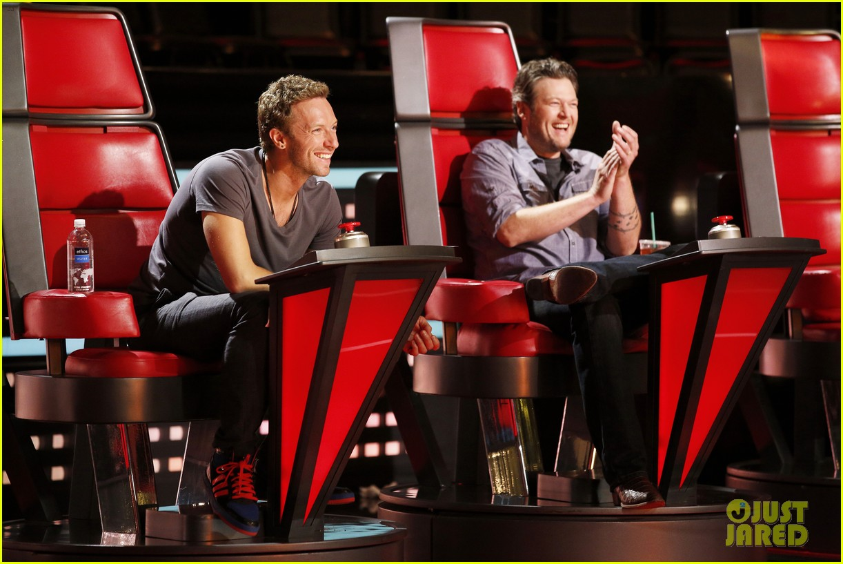 chris martin helps coaches on the voice 063082521