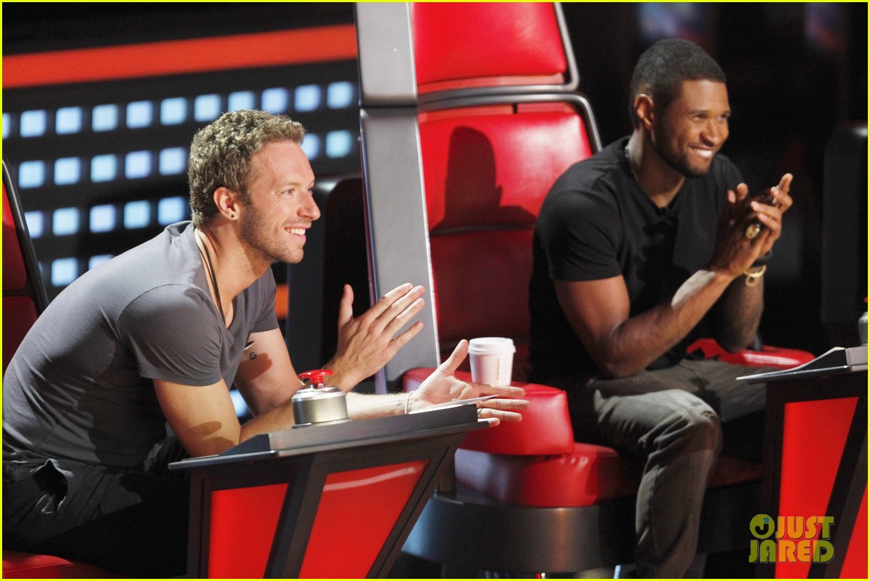 chris martin helps coaches on the voice 10