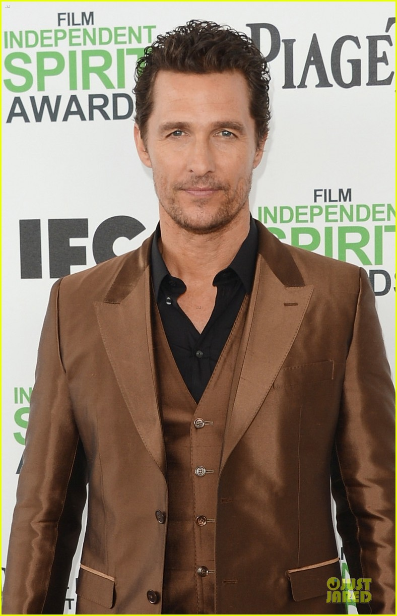 matthew mcconaughey sports flashy brown suit at independent spirit awards with camila alves 023062916