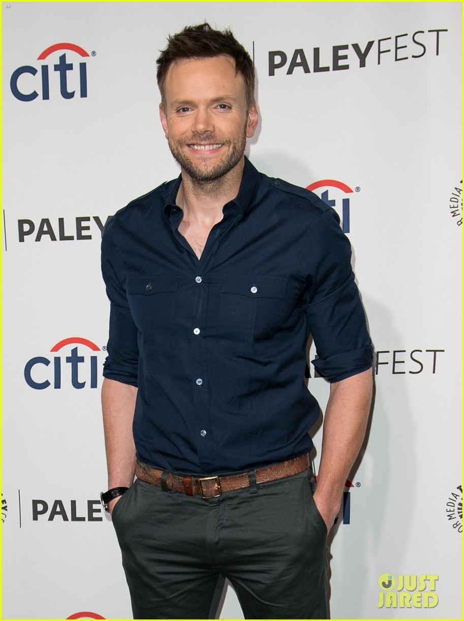 joel mchale gillian jacobs are honored at paleyfest for community 14