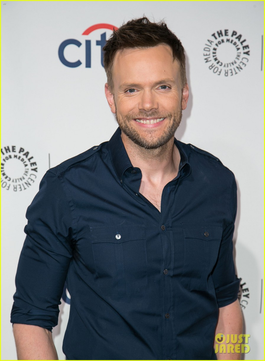 joel mchale gillian jacobs are honored at paleyfest for community 173079632