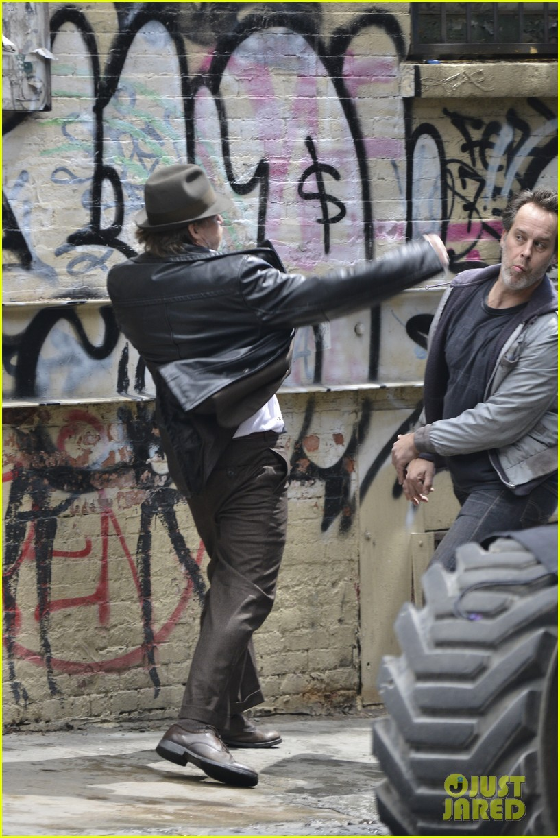 ben mckenzie donal logue gotham fight scene 053075861