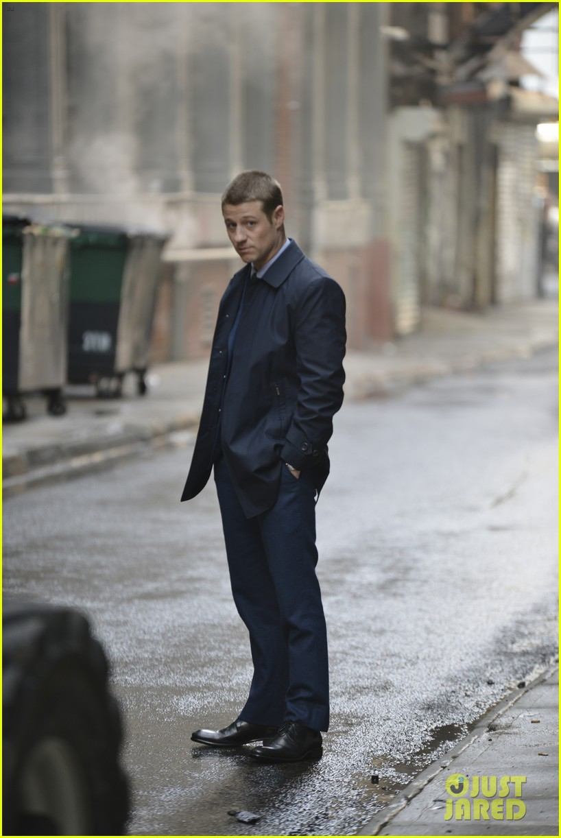 ben mckenzie donal logue gotham fight scene 15