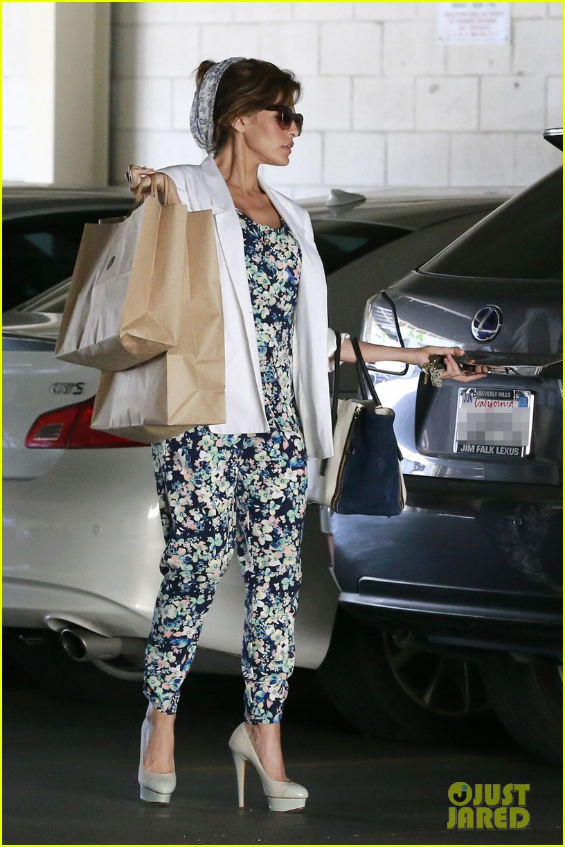 eva mendes is ready for spring in cute floral jumpsuit 033071832
