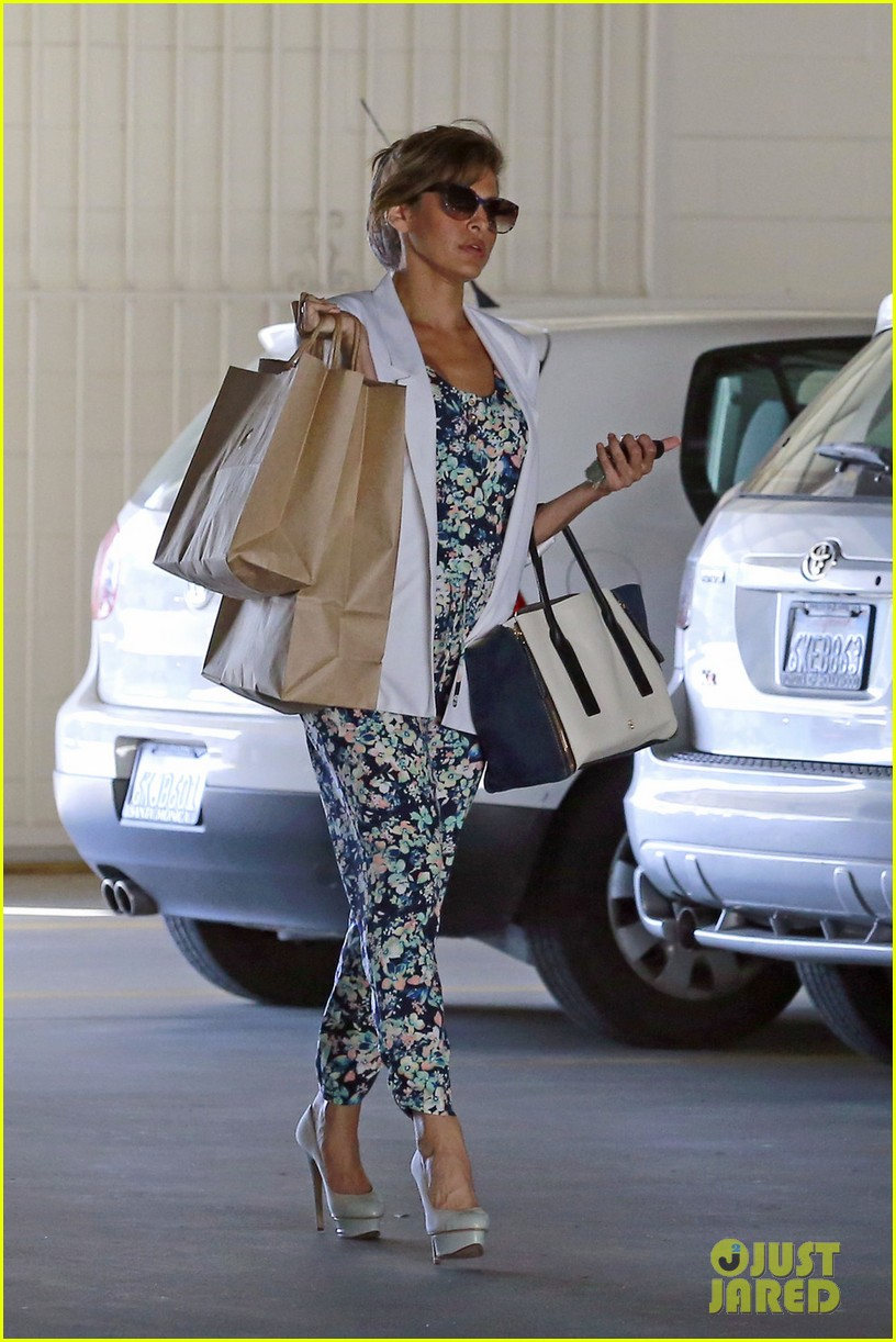 eva mendes is ready for spring in cute floral jumpsuit 043071833