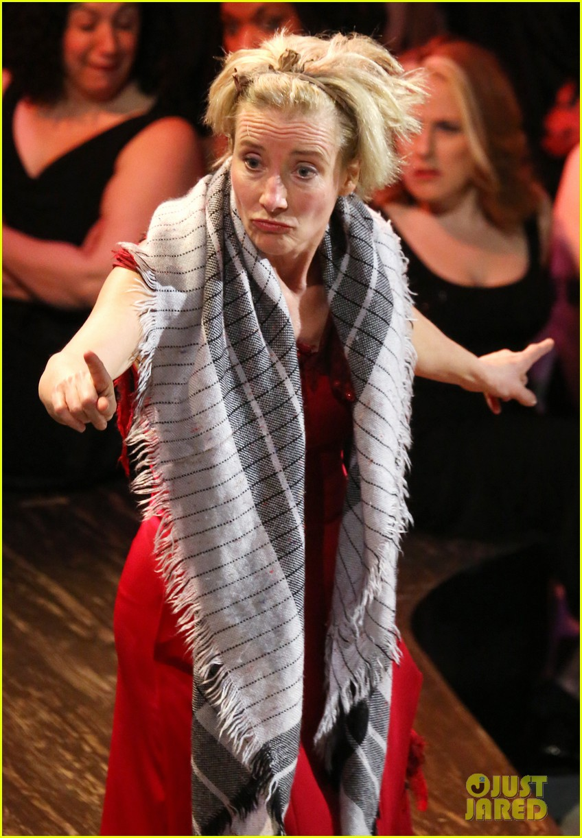 meryl streep supports emma thompson at sweeney todd philharmonic gala 043066967