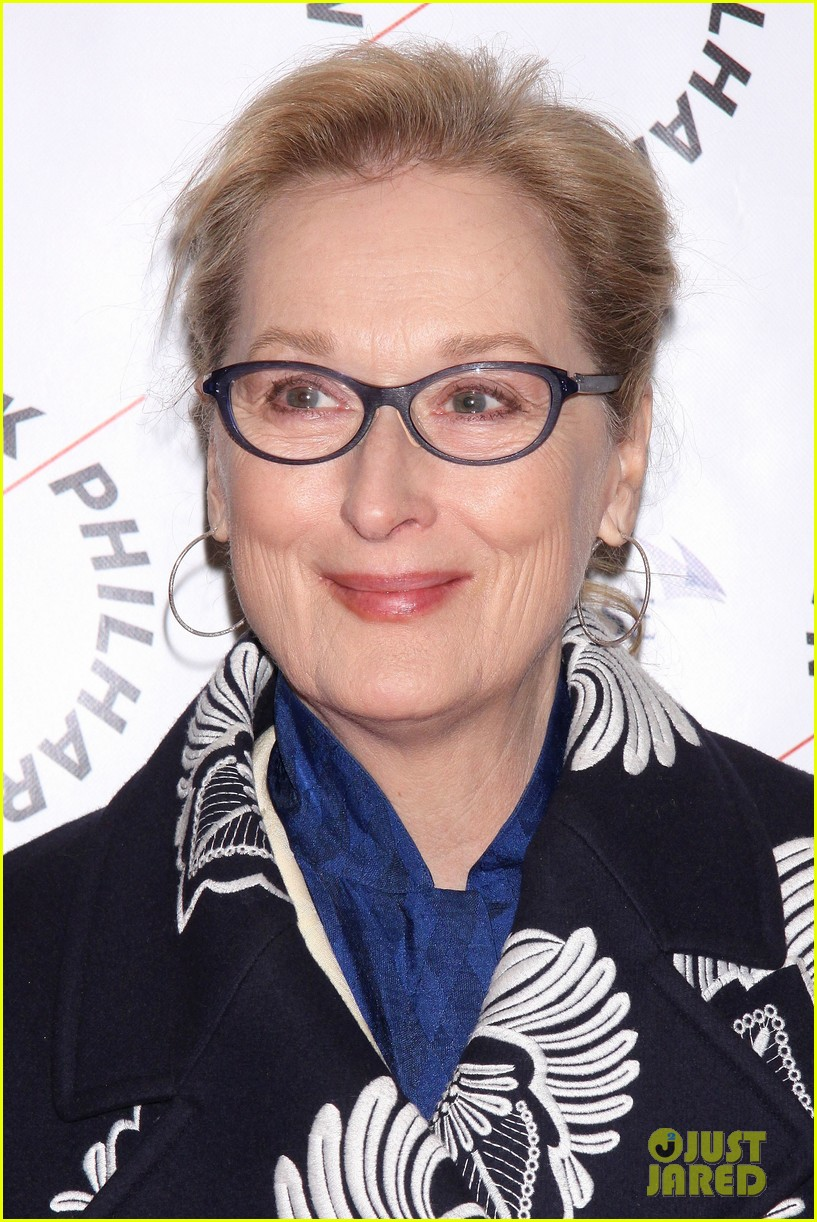 meryl streep supports emma thompson at sweeney todd philharmonic gala 15