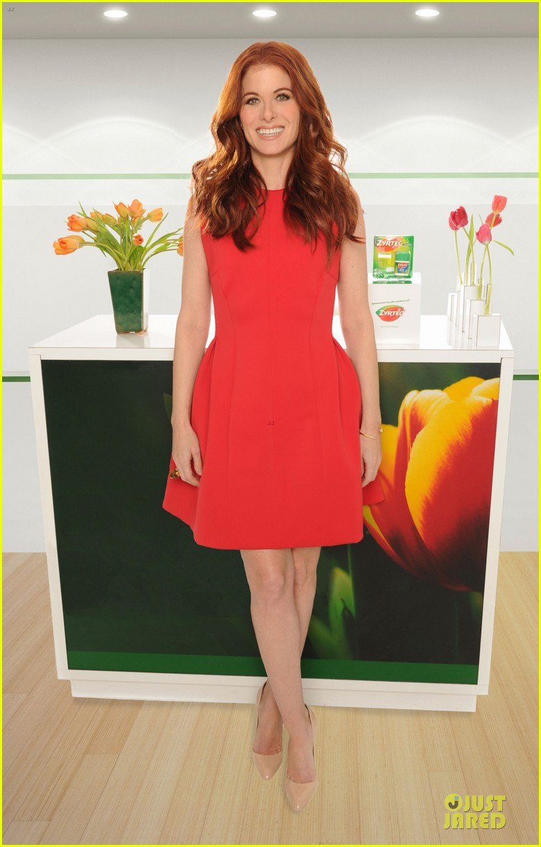 debra messing looks beautiful with zyrtec 013070093
