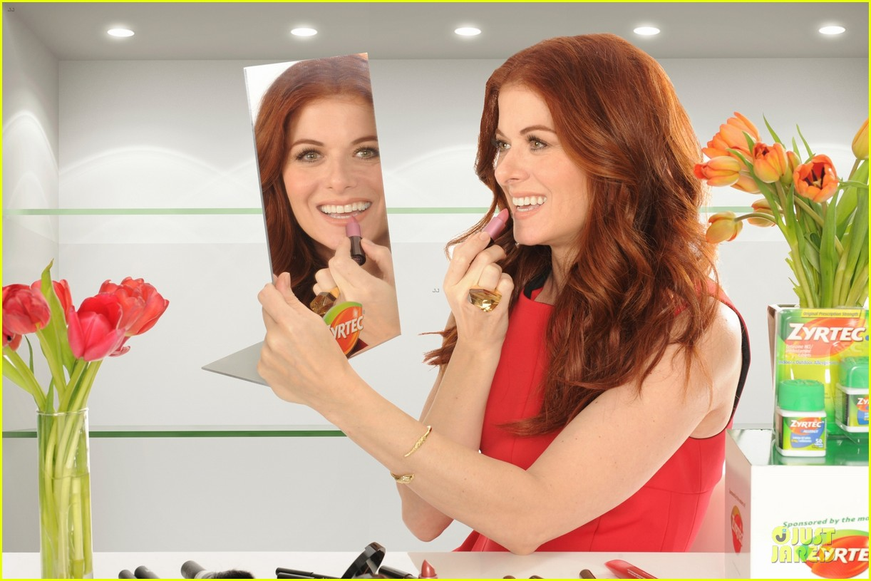 debra messing looks beautiful with zyrtec 043070096