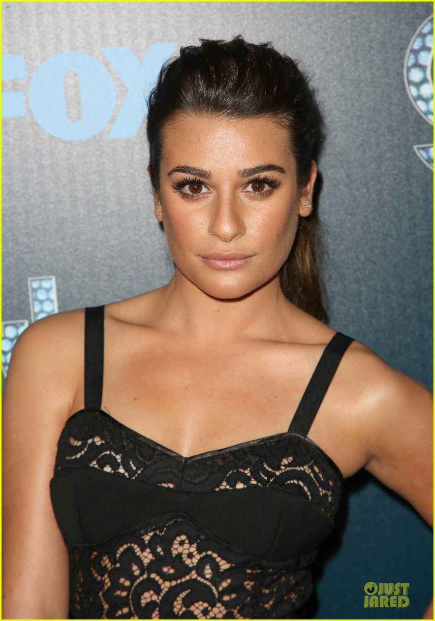 lea michele show off their assets at glee 023074490