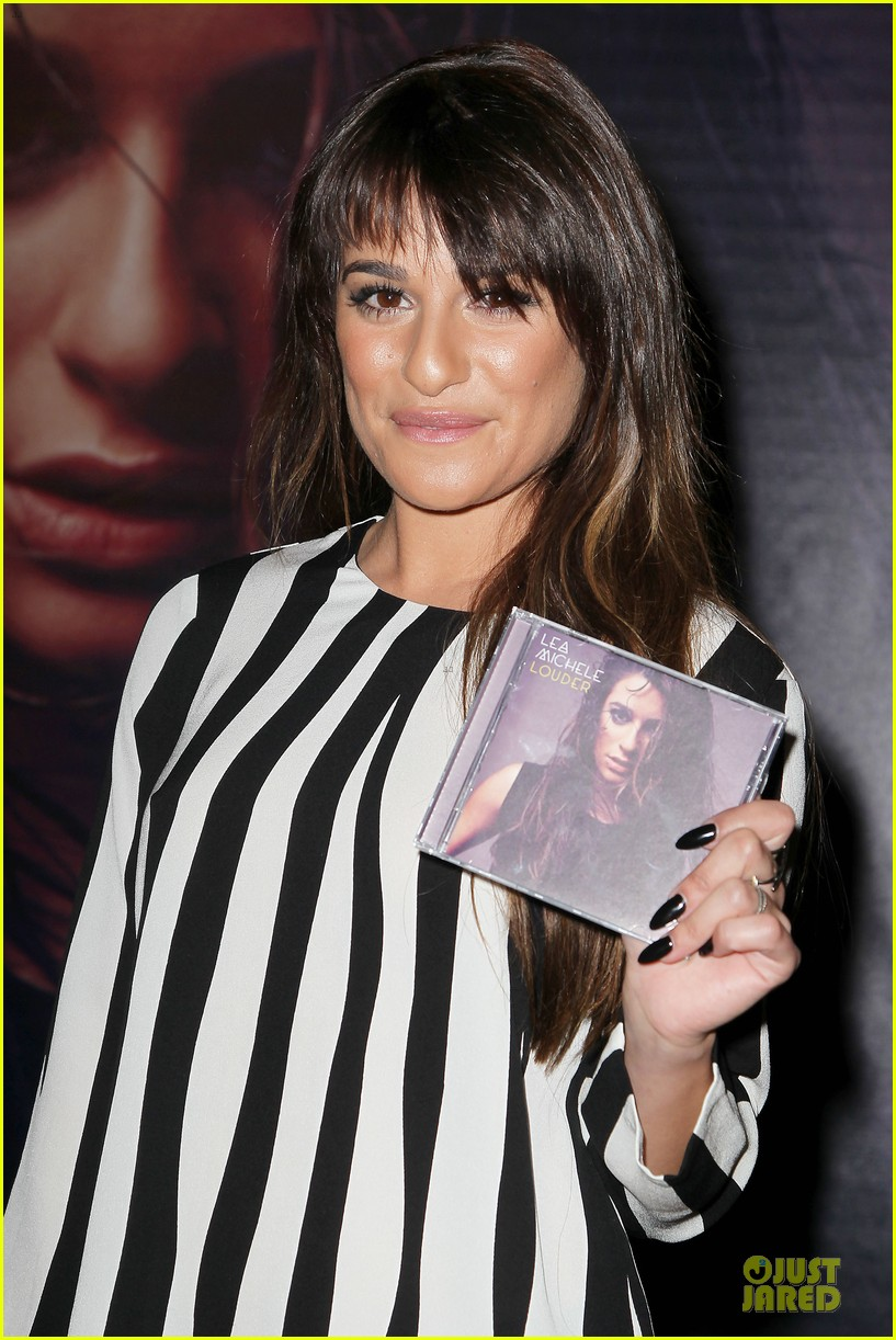 lea michele performs cannonball on tonight show 073066180
