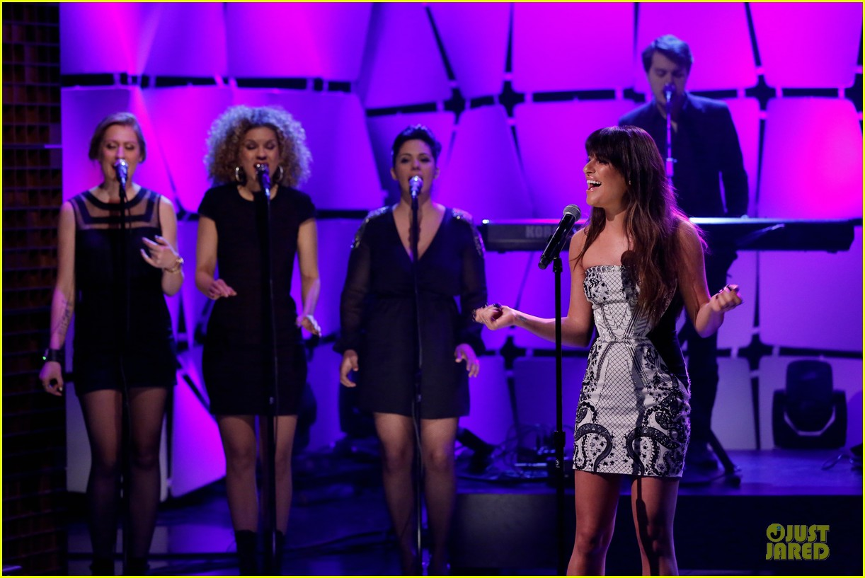 lea michele performs cannonball on tonight show 203066193