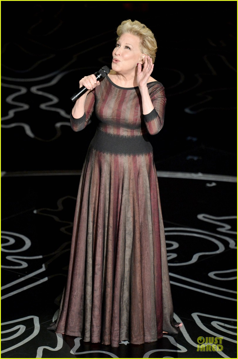 bette midler performs wind beneath my wings at oscars 2014 video 01