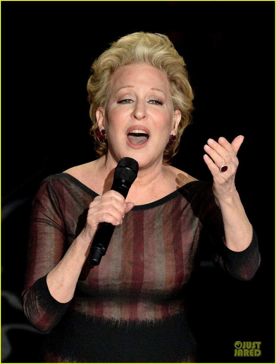 bette midler performs wind beneath my wings at oscars 2014 video 023064164