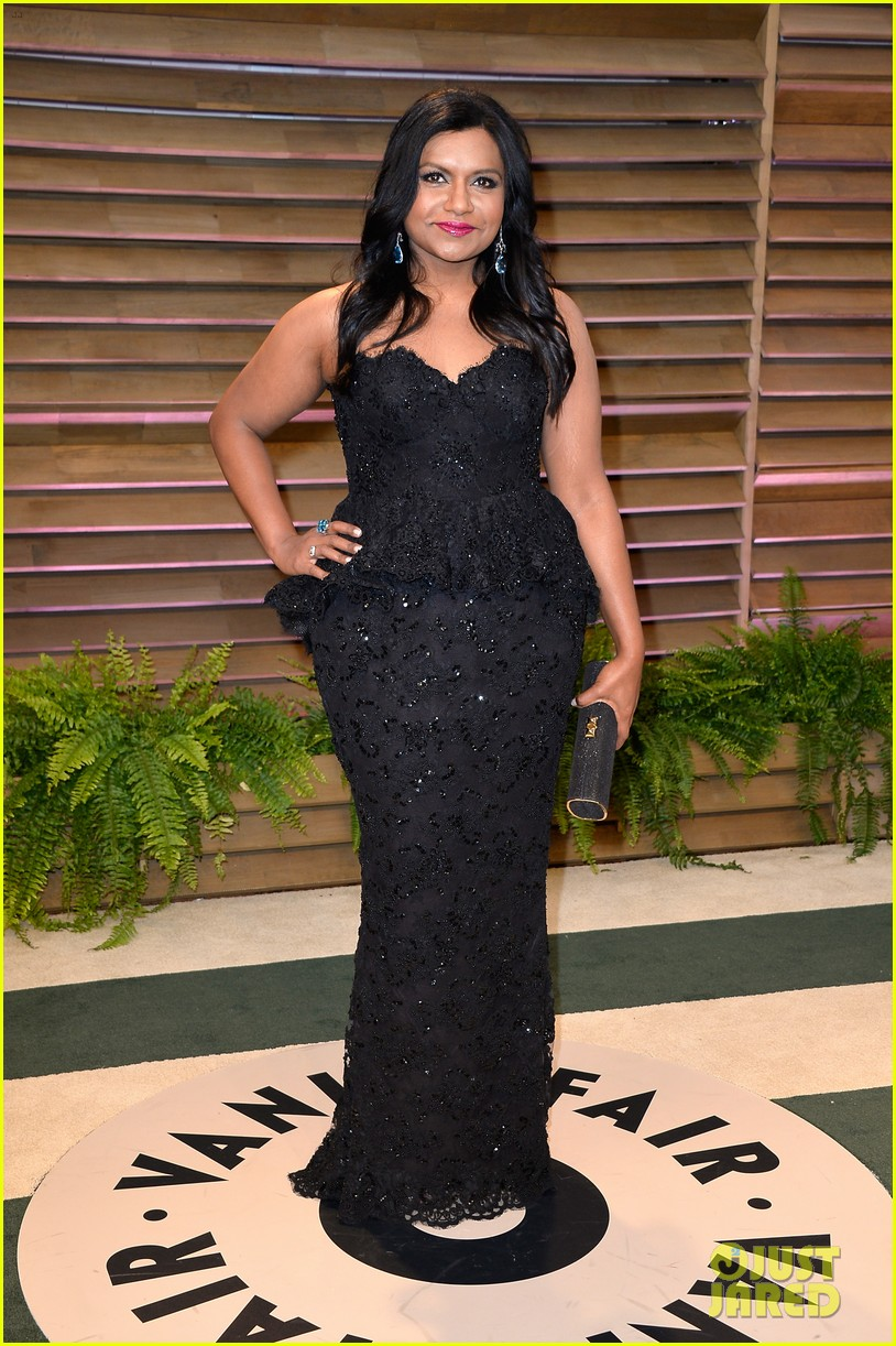 mindy kaling sparkles at vanity fair oscars party 2014 023064199