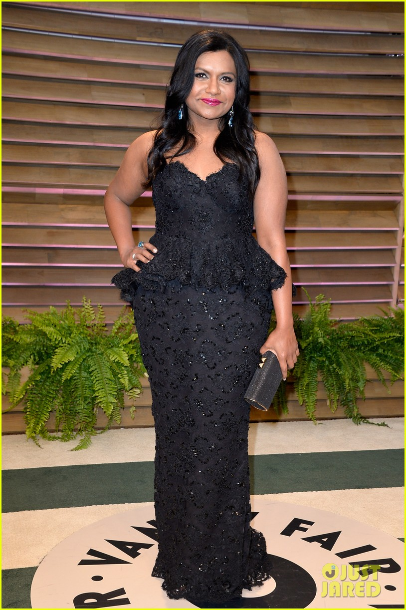 mindy kaling sparkles at vanity fair oscars party 2014 043064201