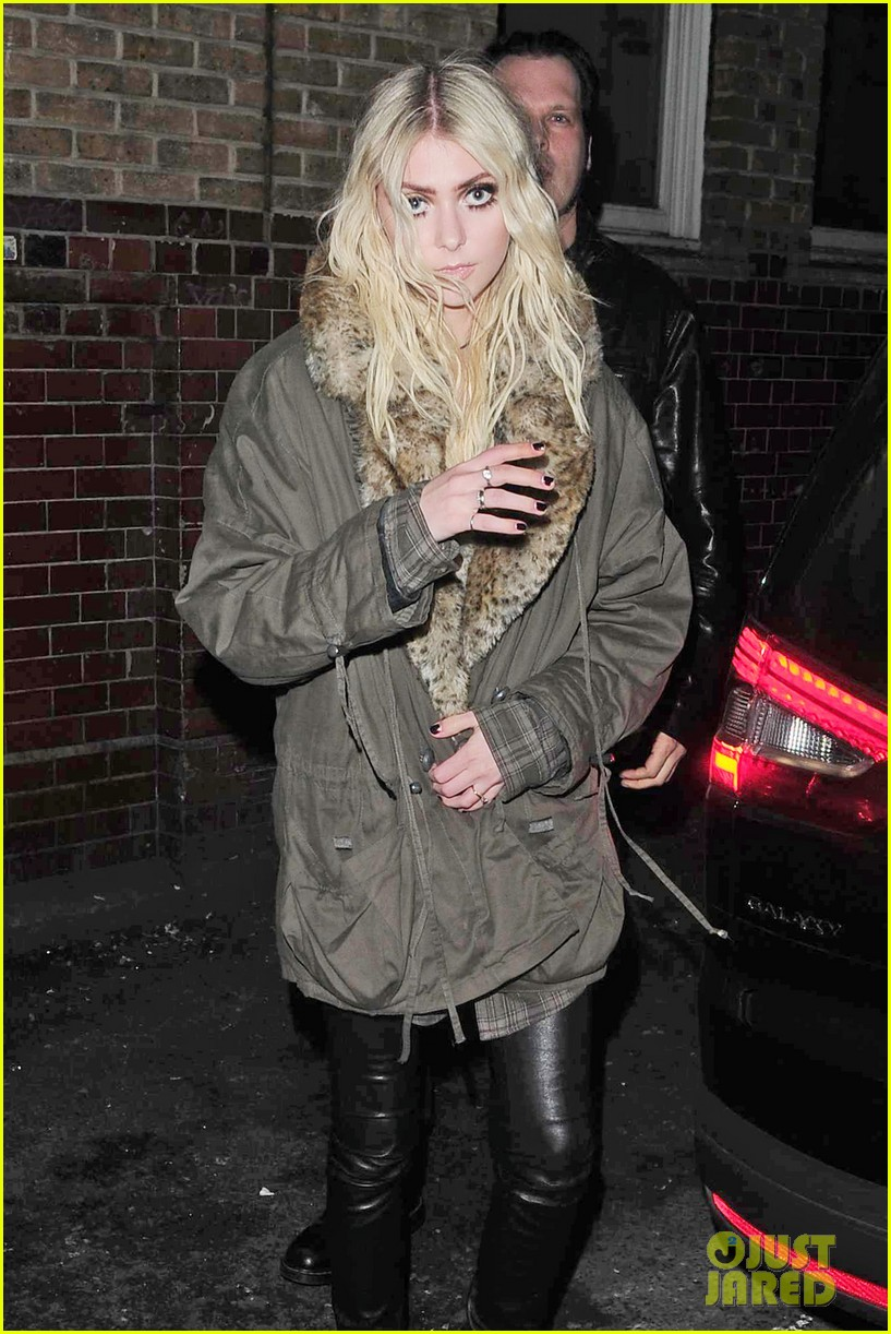taylor momsen still disturbed by tampon string photos 133075465
