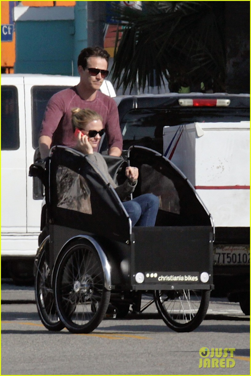 stephen moyer is quite the chauffeur peddles anna paquin in their twins bike carrier 04