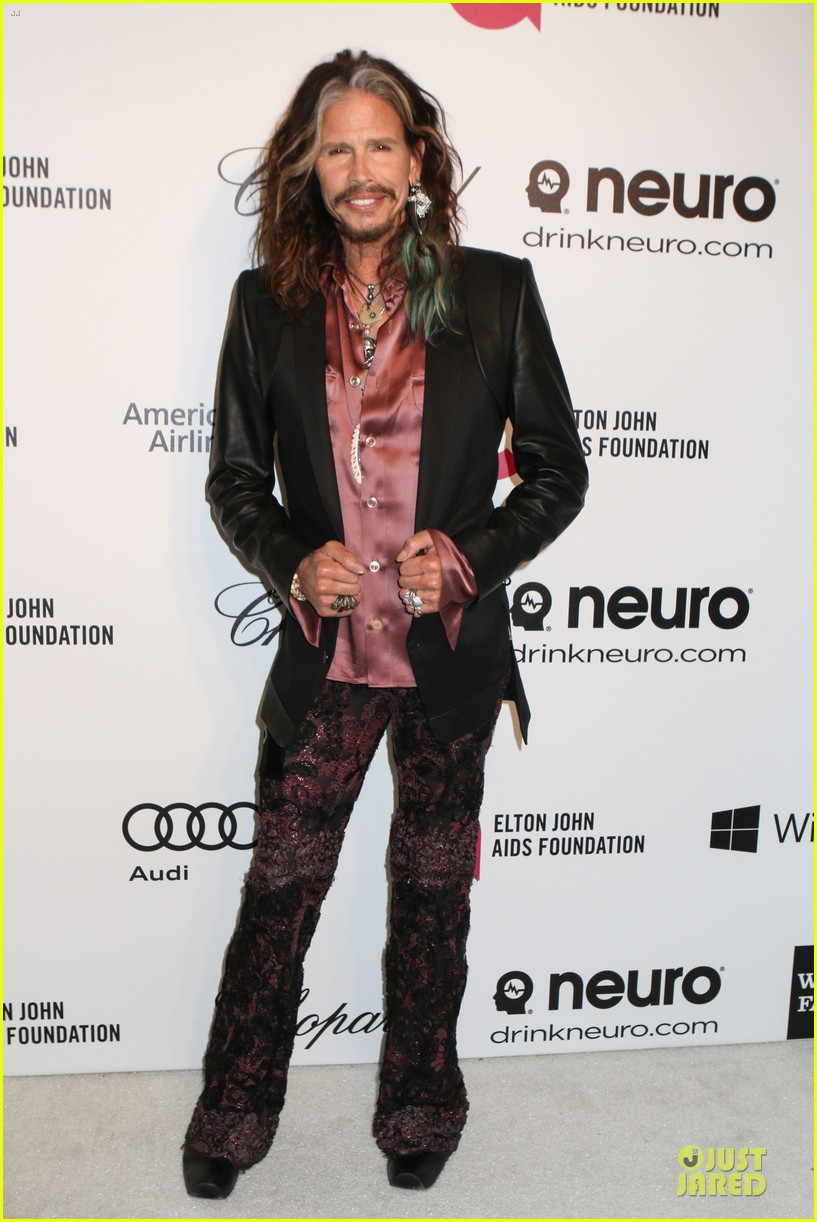 robert de niro steven tyler have contrasting styles at elton john oscars party 2014 103065077