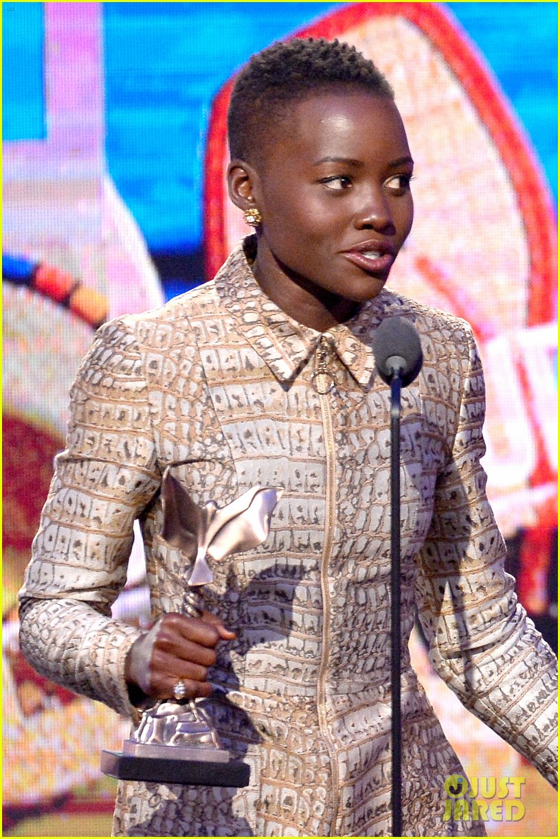 lupita nyongo wins best supporting actress at independent spirit awards 2014 013063054