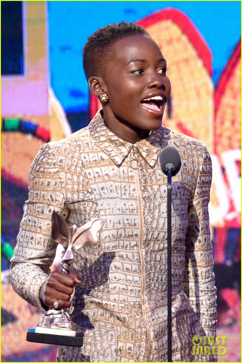 lupita nyongo wins best supporting actress at independent spirit awards 2014 033063056