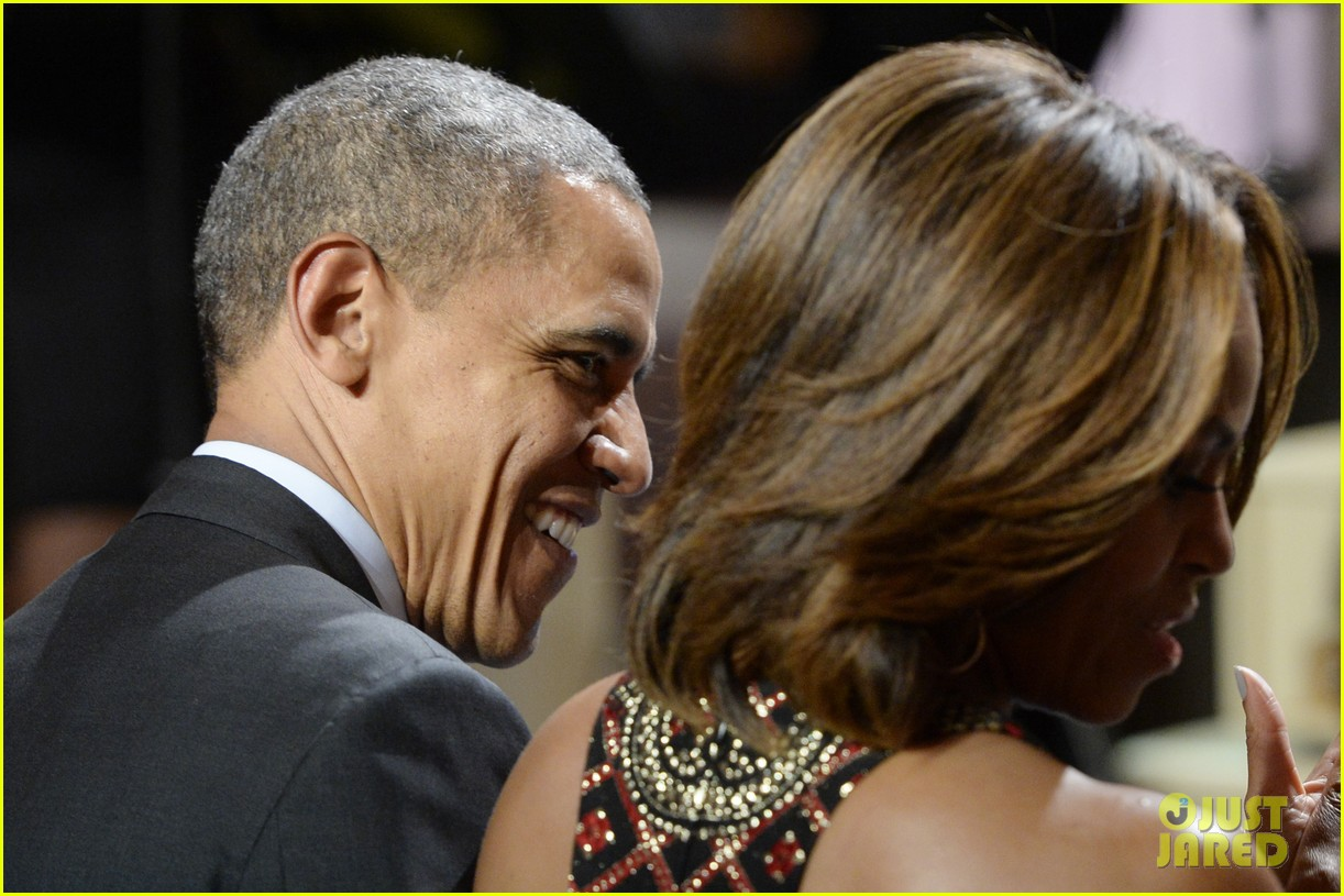 michelle obama hosts women in music function president obama misspells respect 053067764