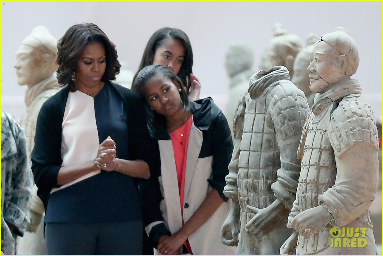 michelle obama jumps rope in china 063077925