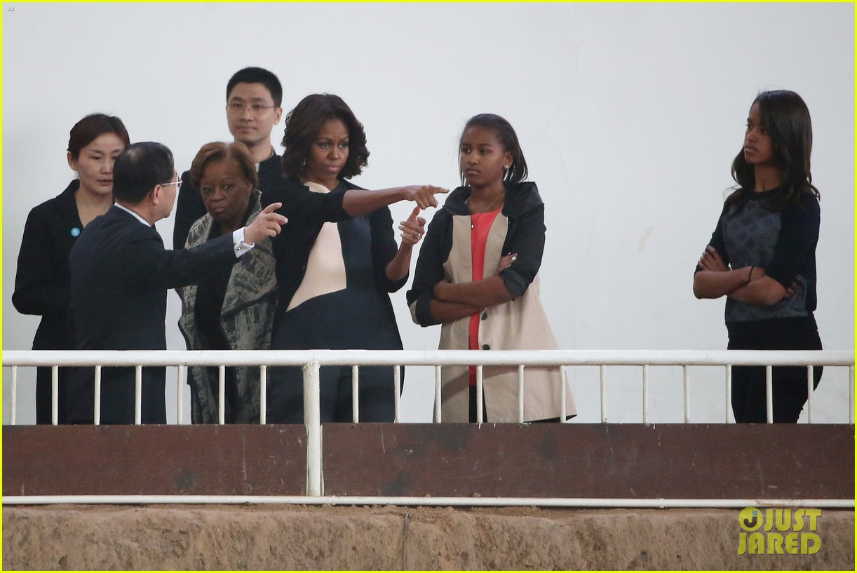 michelle obama jumps rope in china 083077927