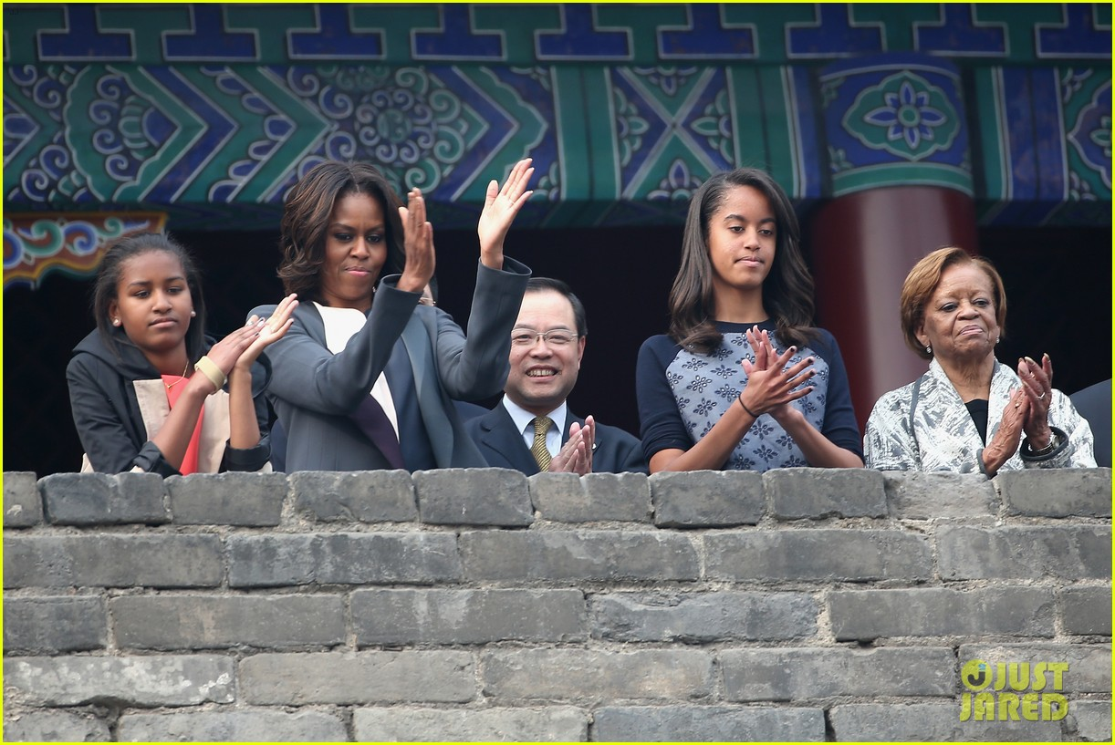 michelle obama jumps rope in china 113077930