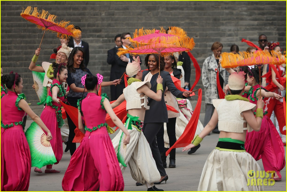 michelle obama jumps rope in china 153077934