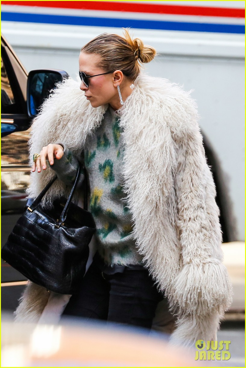 mary kate olsen french fiance french food 053072645