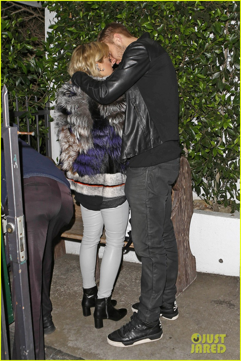 rita ora calvin harris share tender moment 143075718