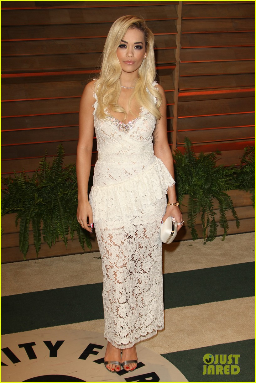 rita ora blonde bombshell at the vanity fair oscars party 2014 023064605