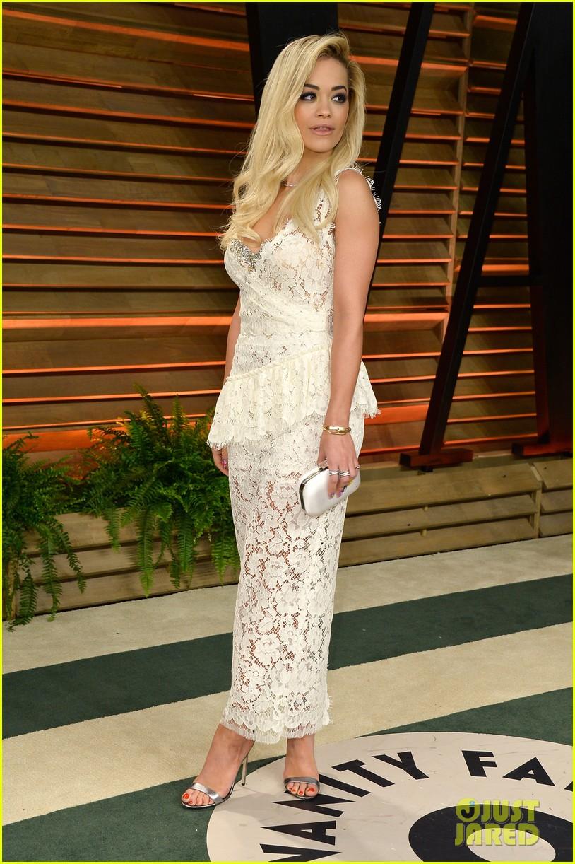 rita ora blonde bombshell at the vanity fair oscars party 2014 053064608