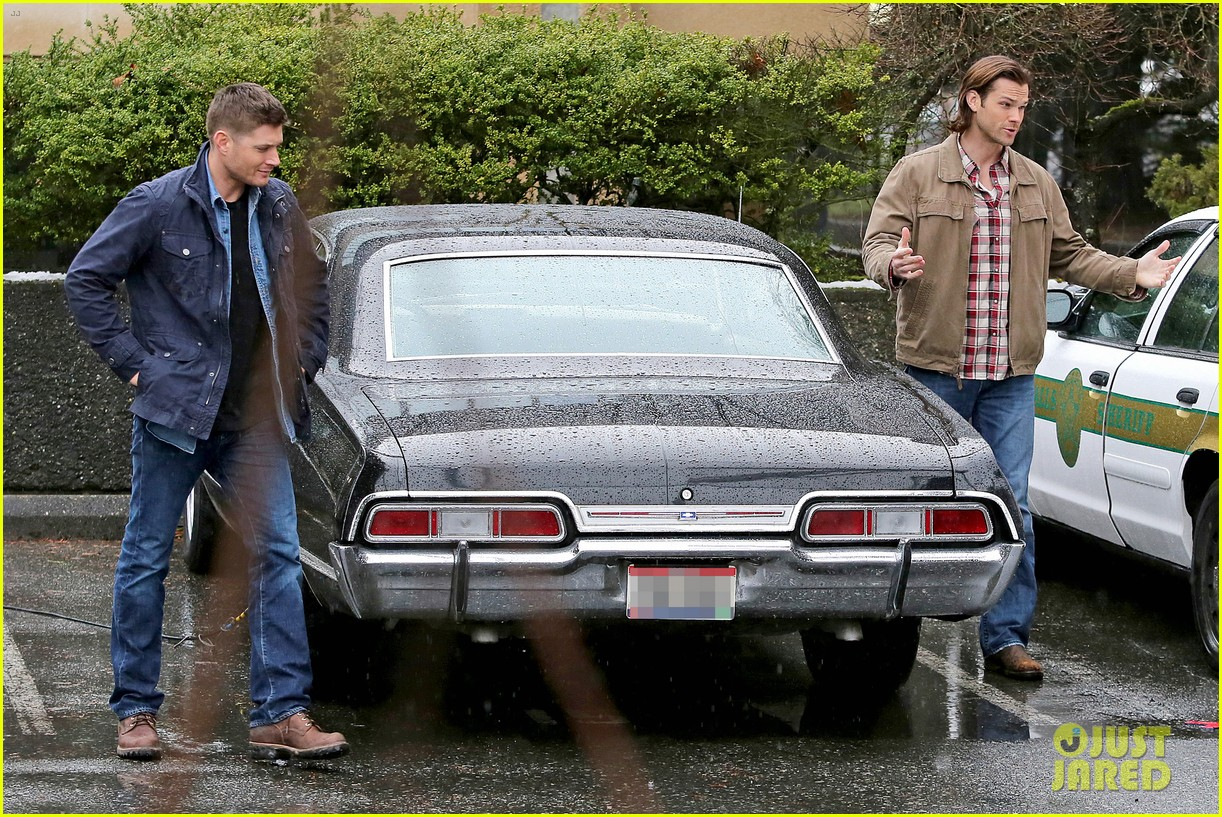 jared padalecki jensen ackles work in the pouring rain 073066817