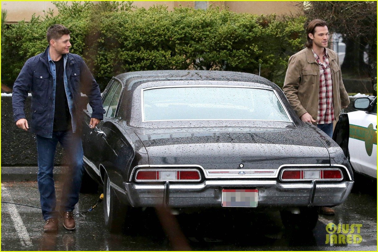 jared padalecki jensen ackles work in the pouring rain 083066818