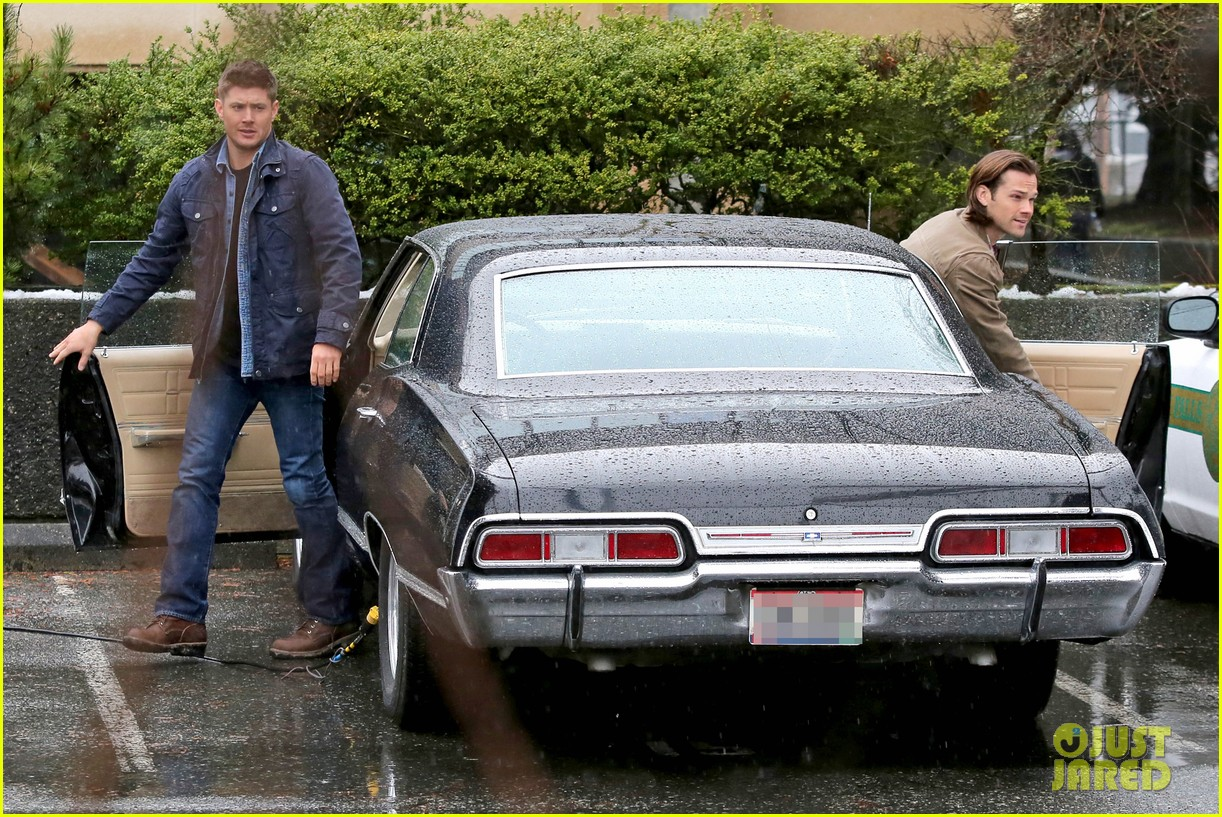 jared padalecki jensen ackles work in the pouring rain 103066820